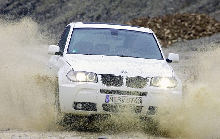 BMW X3 E83 restyling frontale
