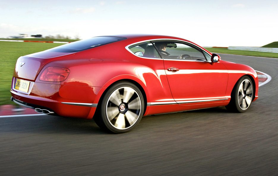 Bentley Continental GT V8 tre quarti posteriore