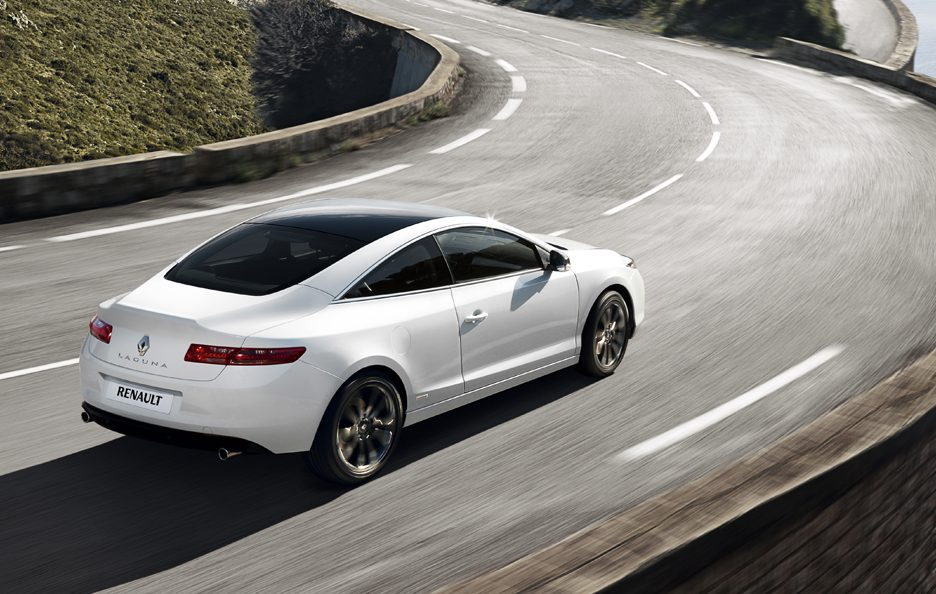 Renault Laguna Coupe - In motion