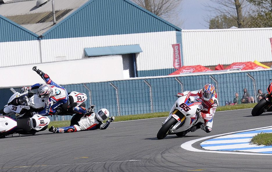 SBK - Donington - Crash Melandri-Haslam