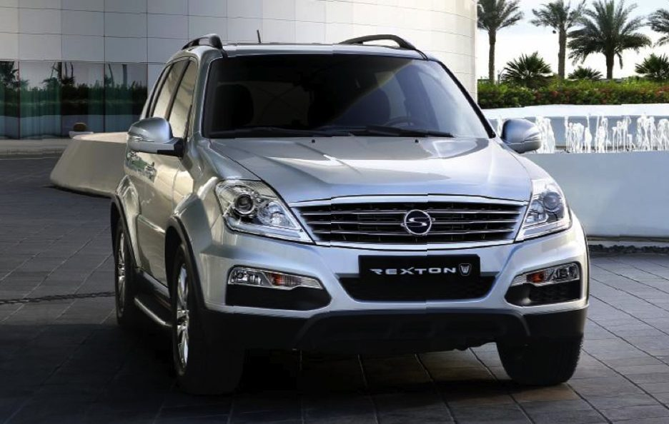 Ssangyong Rexton W - Frontale