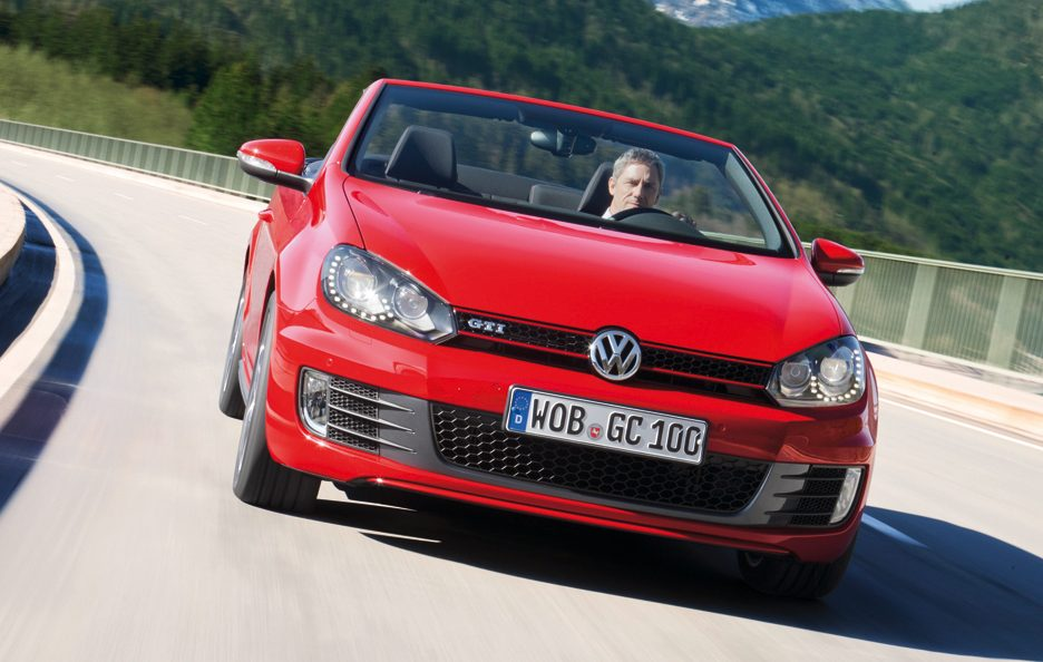 Volkswagen Golf GTI Cabrio - Il frontale in motion