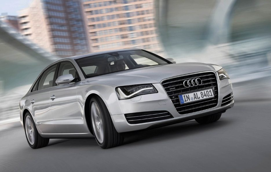 Audi A8 L - Il frontale in motion