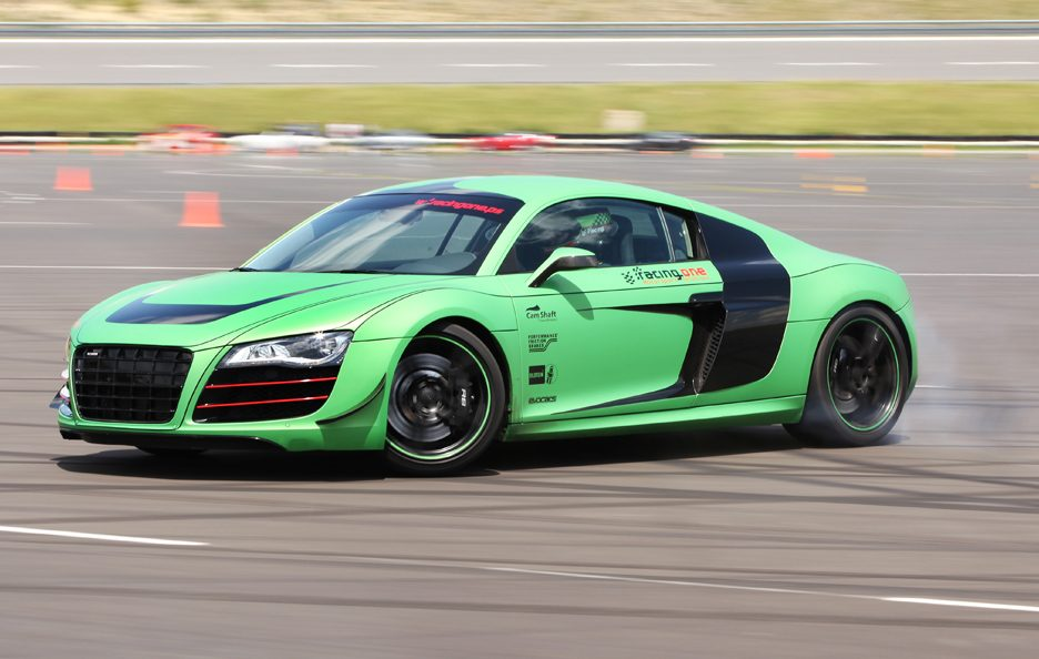 Audi R8 V10 Racing One - In action
