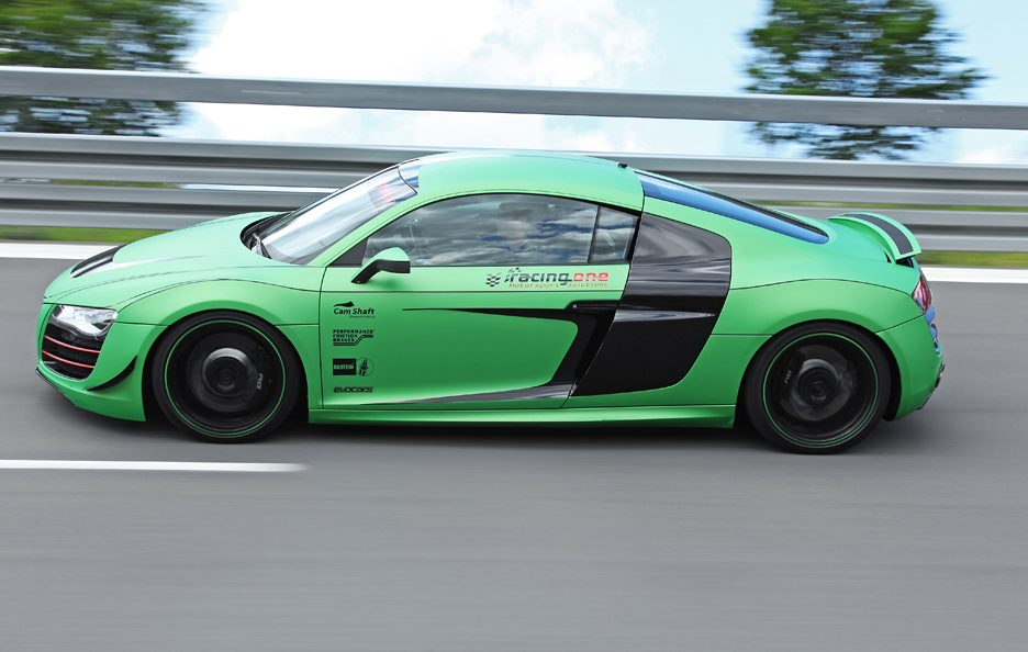 Audi R8 V10 Racing One - Laterale in motion