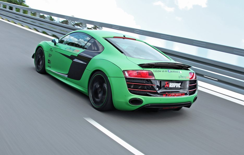 Audi R8 V10 Racing One - Posteriore in motion