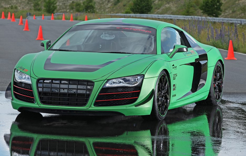 Audi R8 V10 Racing One - Profilo frontale