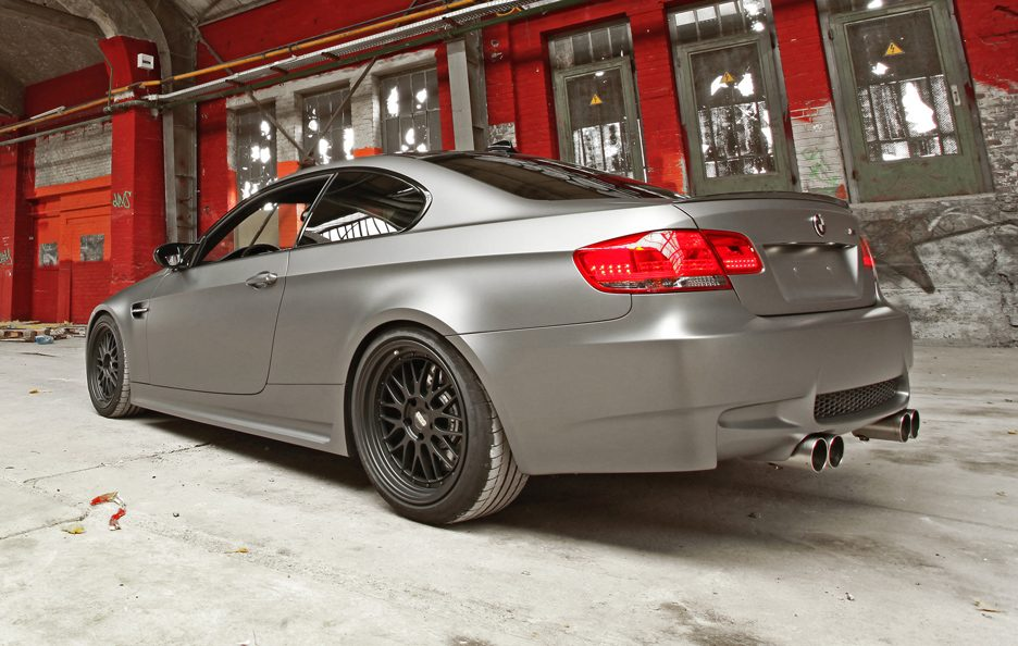 BMW M3 by Cam Shaft - Retrotreno