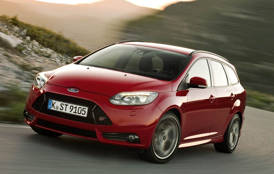Ford Focus ST Station Wagon - Frontale in motion
