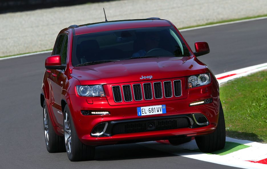 Jeep Grand CHerokee SRT - Sul cordolo