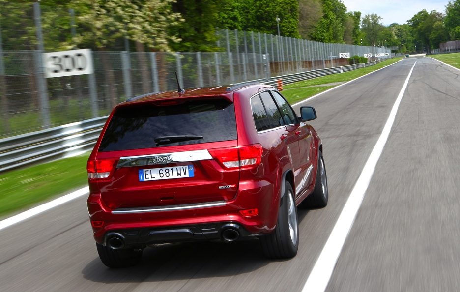 Jeep Grand CHerokee SRT - Sul rettilineo