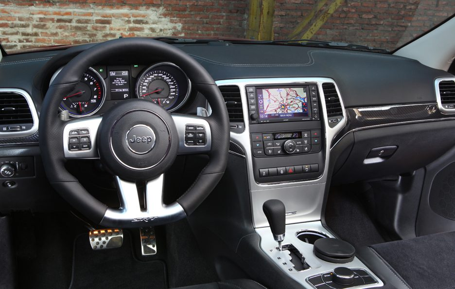 Jeep Grand Cherokee SRT - Interni