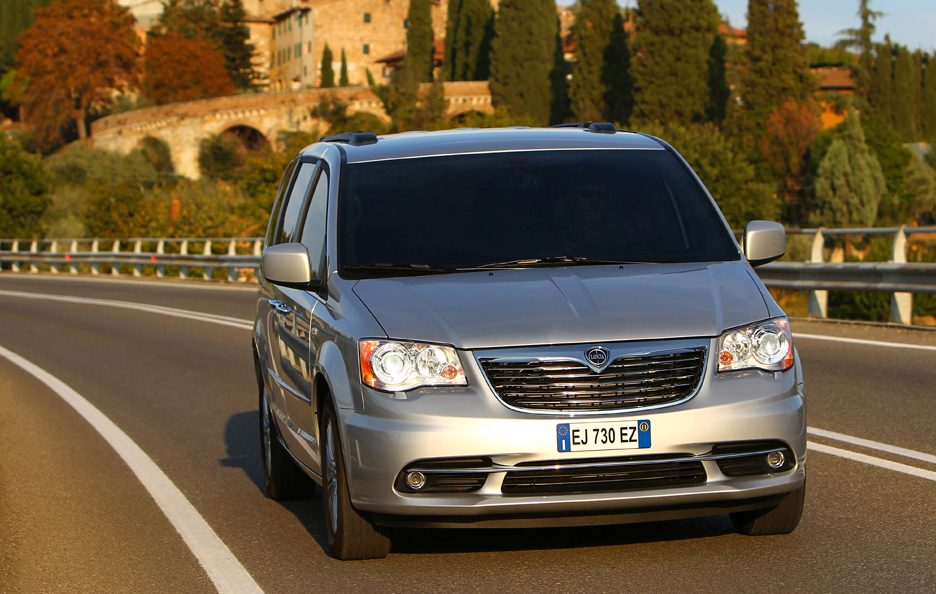 Lancia Voyager frontale