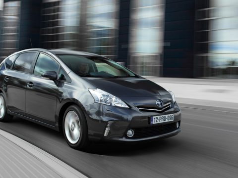 Toyota Prius+ - In motion