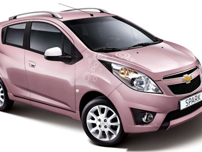 Chevrolet Spark Pink Lady: il cravattino in rosa
