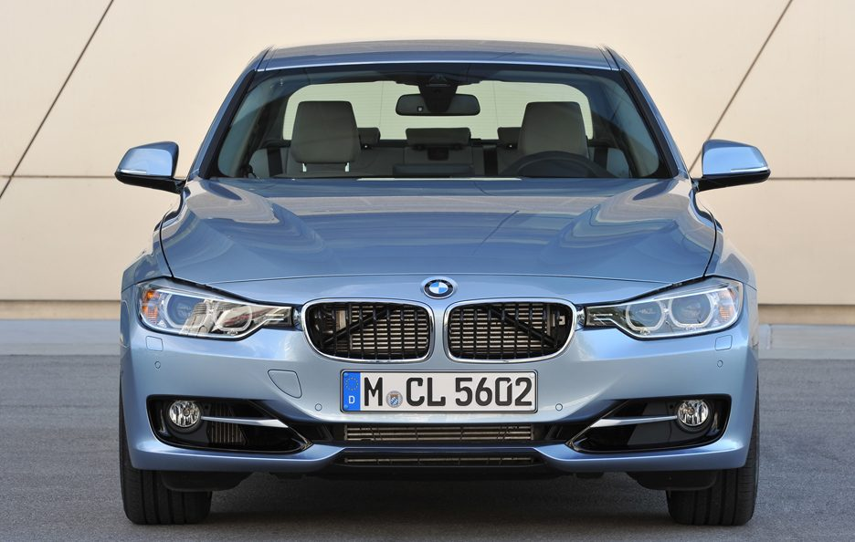 BMW ActiveHybrid 3 - Frontale alto