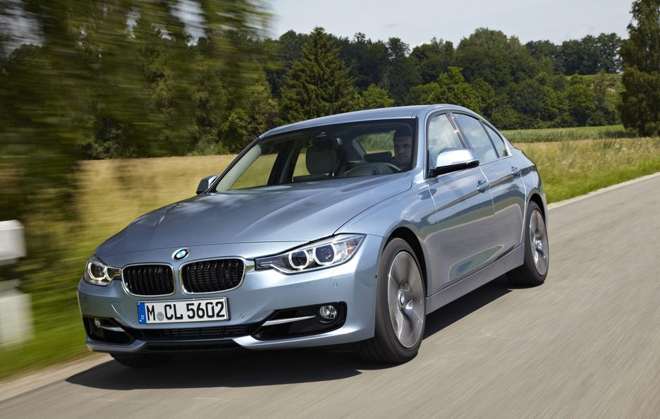 BMW ActiveHybrid 3 - Frontale in motion