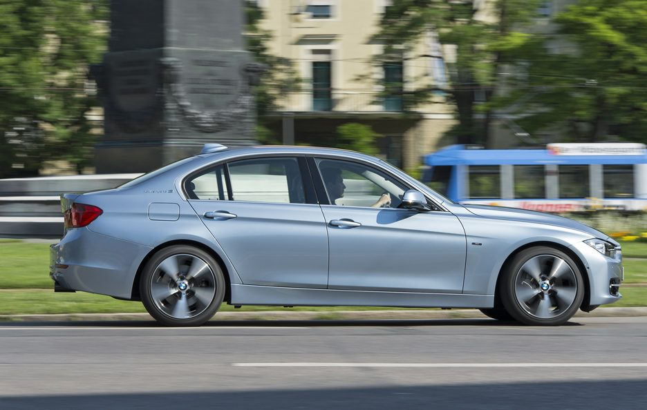 BMW ActiveHybrid 3 - Laterale in motion