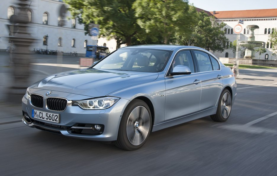 BMW ActiveHybrid 3 - Profilo frontale in motion