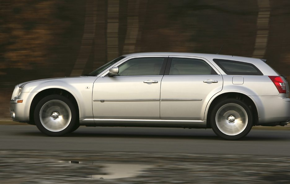 Chrysler 300 C Touring SRT Design profilo