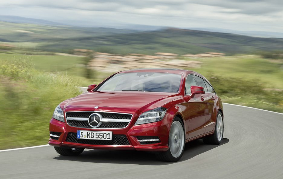 Mercedes CLS Shooting Brake - Red - Frontale in motion