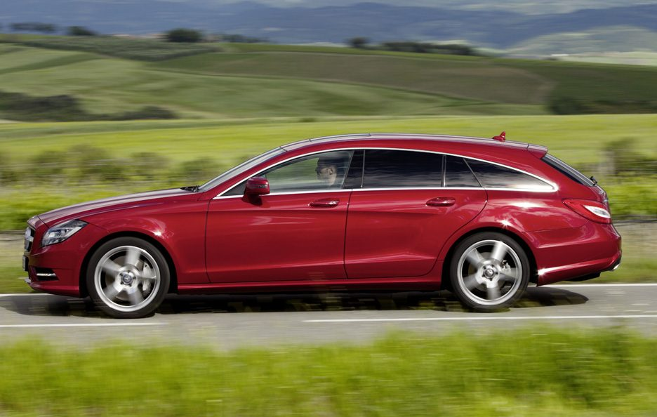 Mercedes CLS Shooting Brake - Red - Laterale