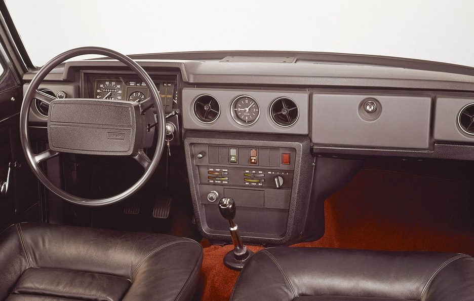 Volvo 142 restyling interni