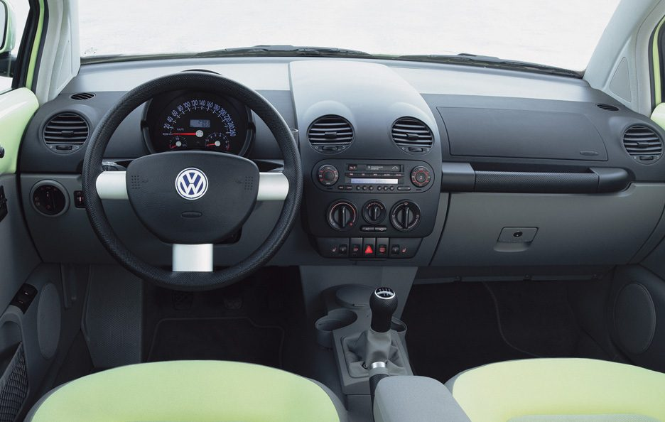 Volkswagen New Beetle interni