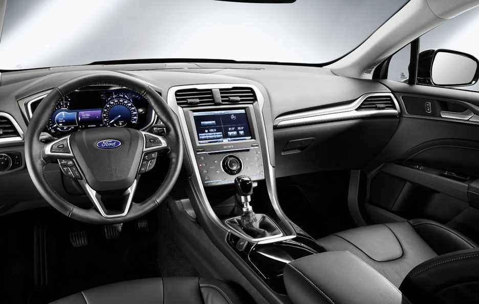 Ford Mondeo 2013 - Interni