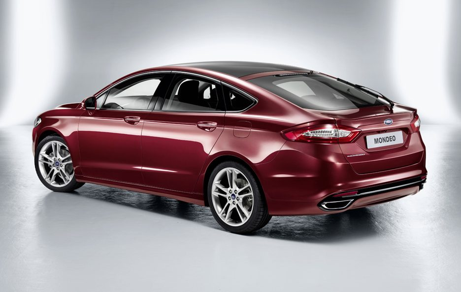 Ford Mondeo 2013 - Linee posteriore
