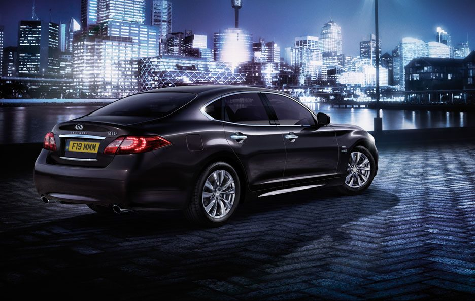 Infiniti M35h Business Edition - Linee posteriore