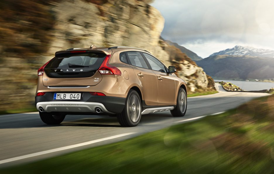 Volvo V40 Cross Country - Posteriore in motion