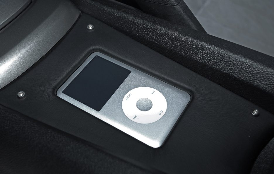 Chevrolet Camaro Magnat by Wimmer - Dock per iPod