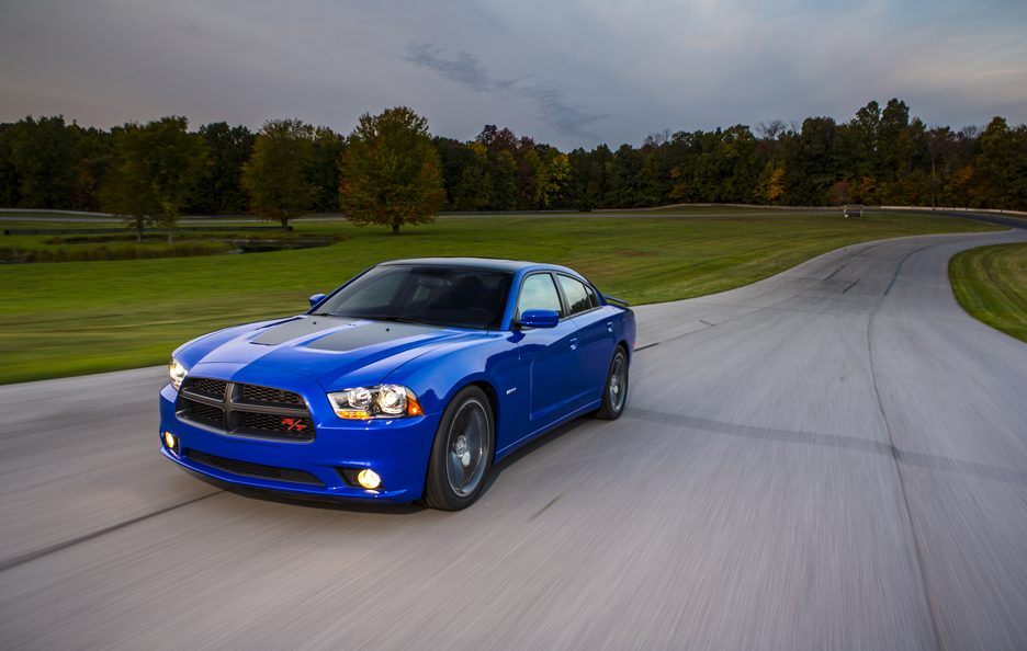 Dodge Charger Daytona 2013 - Linee
