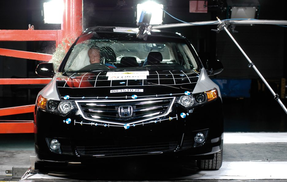 Honda Accord ottava generazione crash test
