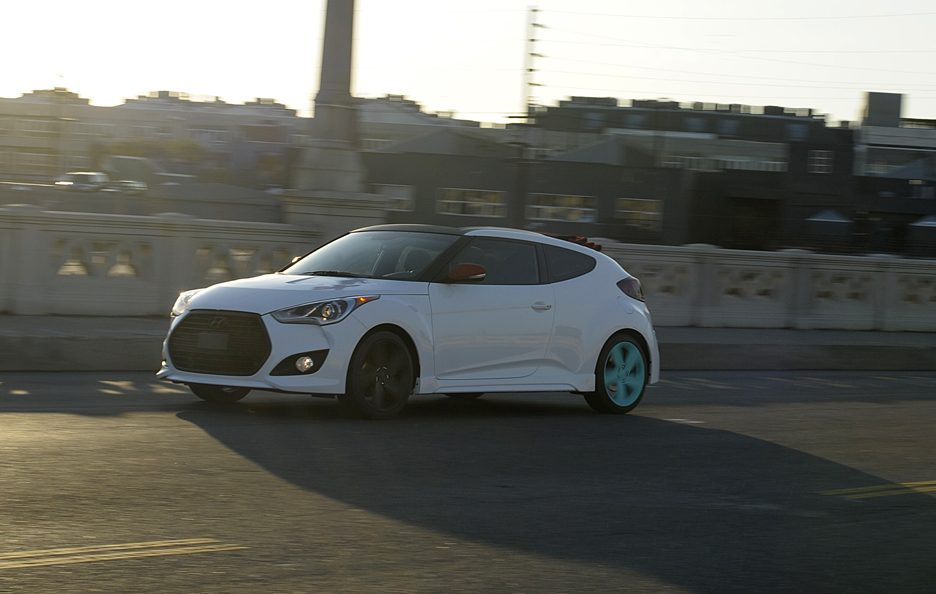 Hyundai Veloster C3 Roll Top Concept - In motion