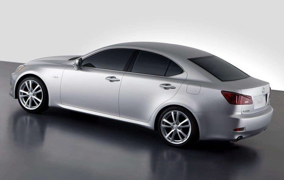 Lexus IS 220d tre quarti posteriore