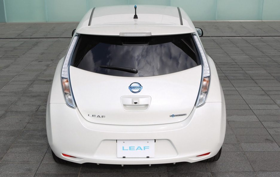 Nissan Leaf 2013 (Giappone) - Posteriore