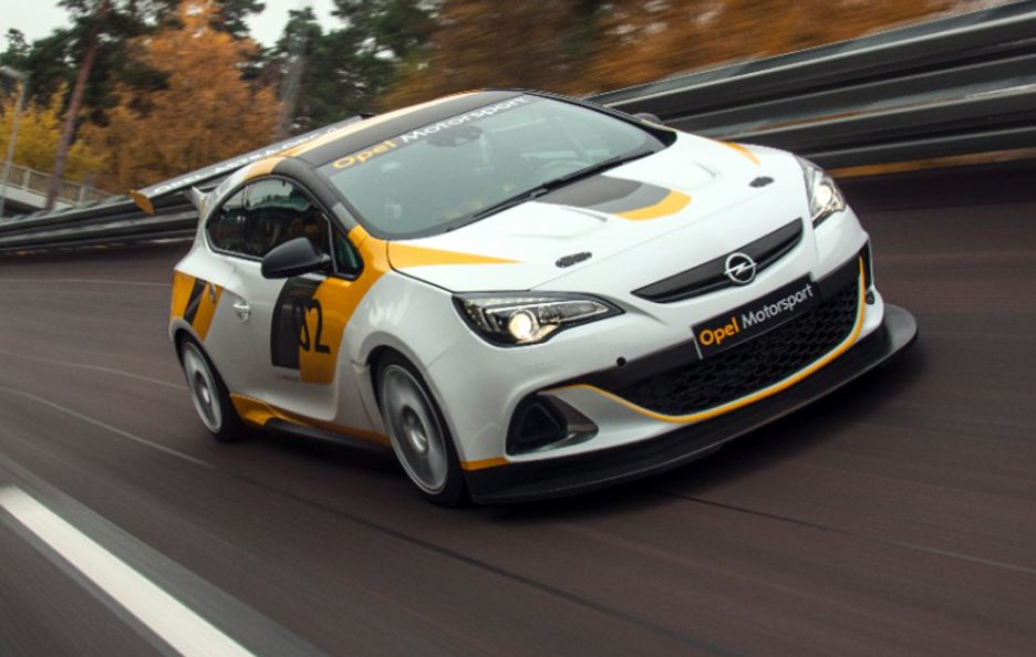 Opel Astra OPC Cup - In motion