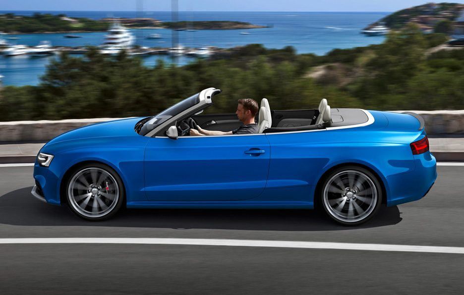 Audi RS5 Cabrio 2013 - Laterale in motion
