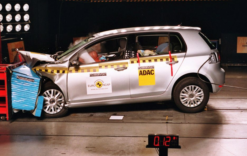 Volkswagen Golf crash test