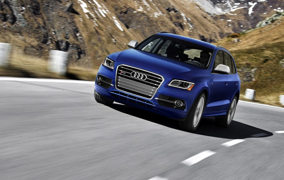 Audi SQ5 3.0 TFSI USA model - Il muso in motion