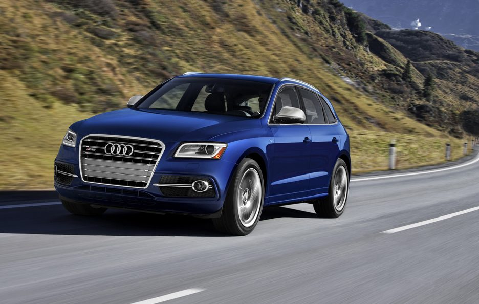 Audi SQ5 3.0 TFSI USA model - In motion