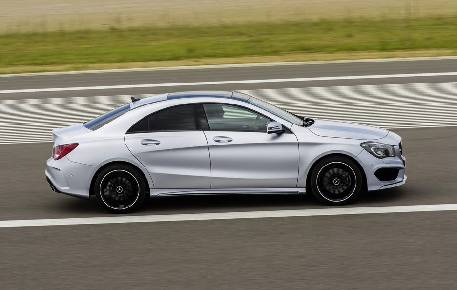 Mercedes CLA 2013 - Laterale in motion