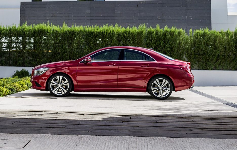Mercedes CLA 2013 - Laterale red