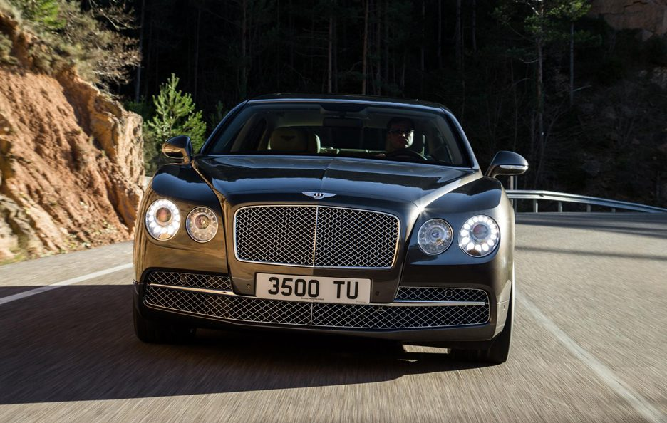 Bentley Flying Spur - Frontale in motion