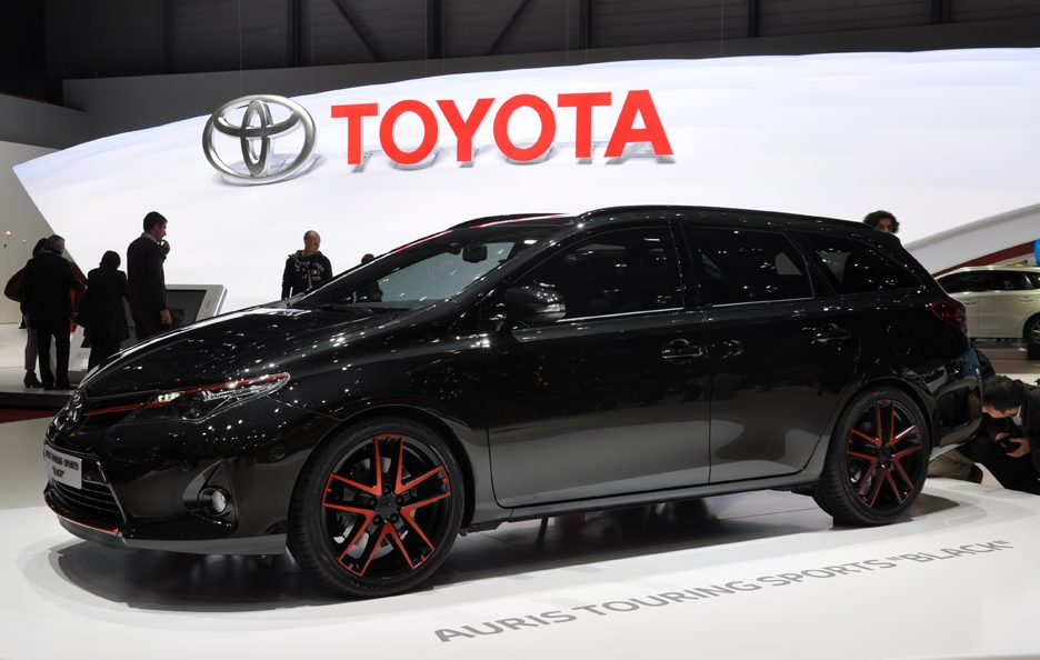 Toyota Auris Touring Sports Black - Design - Ginevra 2013