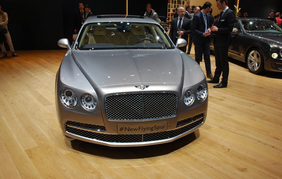 Bentley Flying Spur - Frontale alto - Ginevra 2013