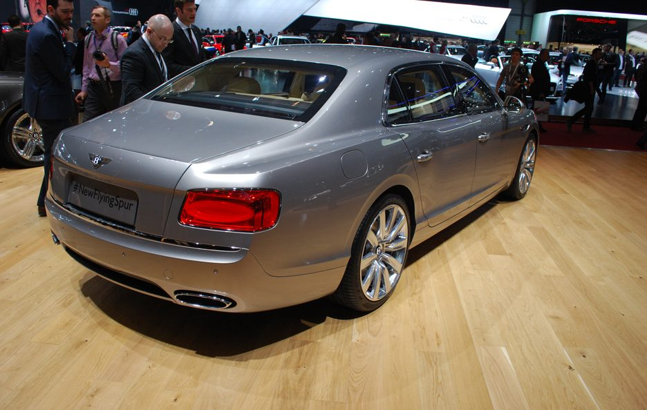 Bentley Flying Spur - Il retrotreno - Ginevra 2013