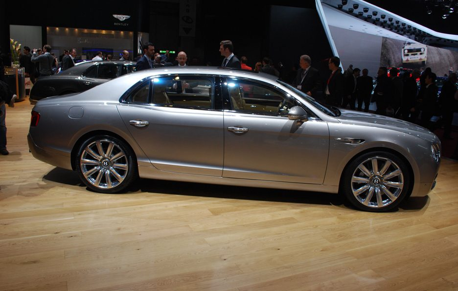 Bentley Flying Spur - Profilo - Ginevra 2013